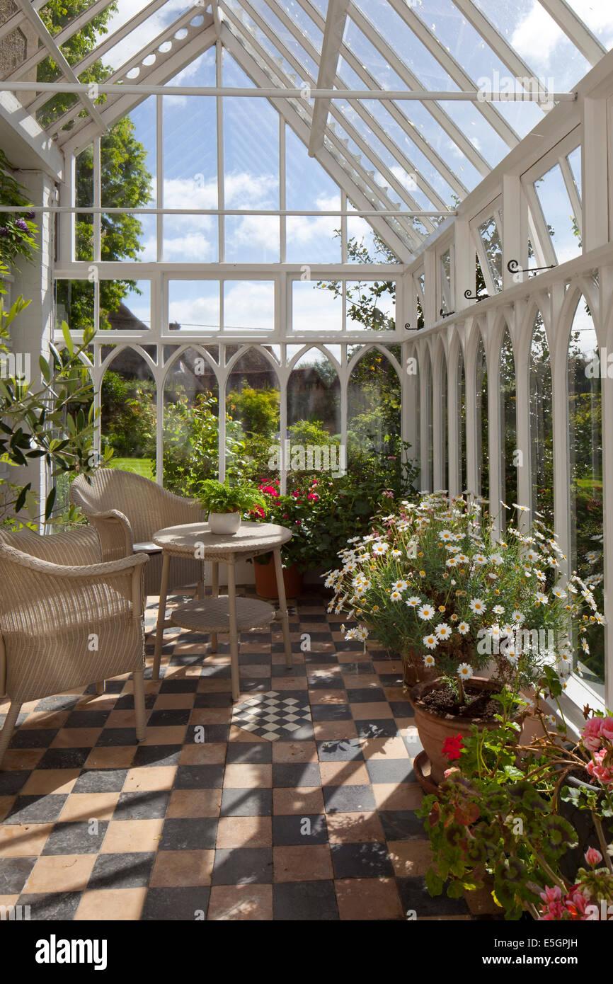 Wintergarten Englischer Stil innenraum der alten stil englischer holz wintergarten mit wicker