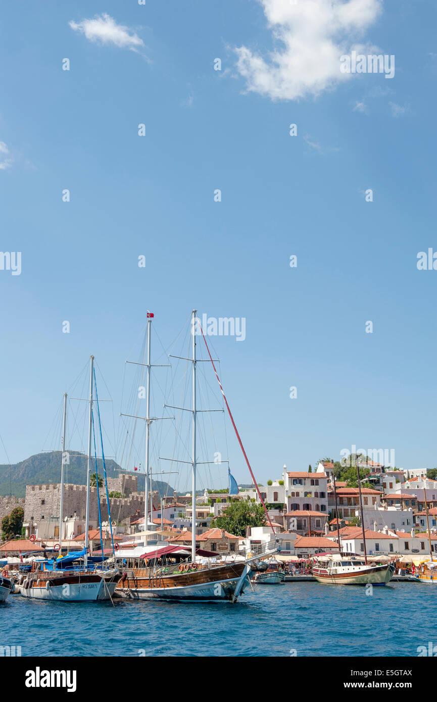 Gulet Boote vertäut im alten Hafen von Marmaris an der ägäischen Küste, Türkei Stockbild