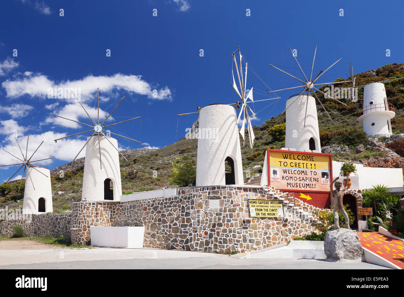 Windmühlen, Lassithi-Hochebene, Kreta, Griechenland Stockbild