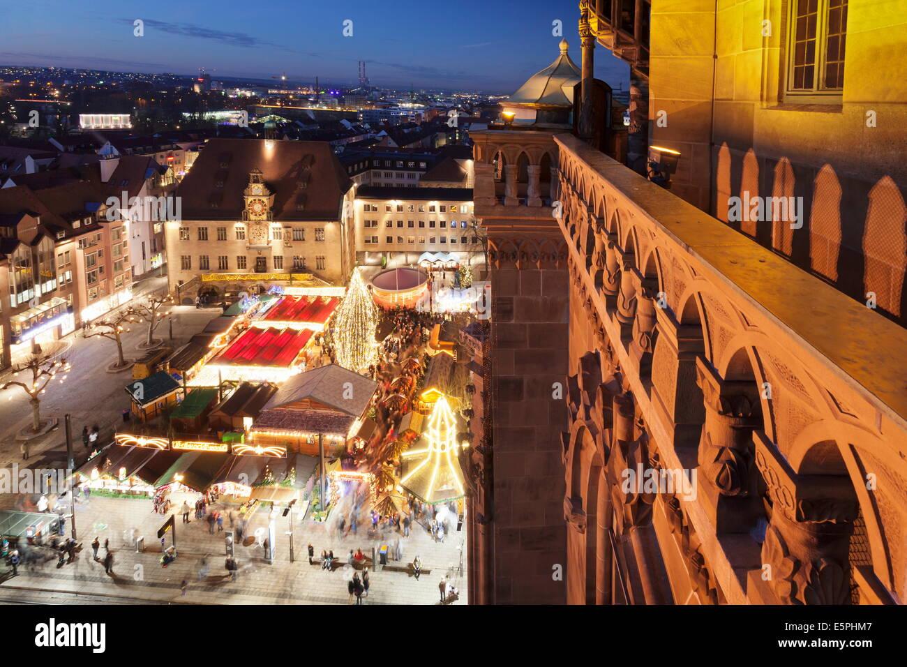 Weihnachtsmarkt Heilbronn.Blick Vom Kilianskirche Kirche Der Weihnachtsmarkt In Den Marktplatz