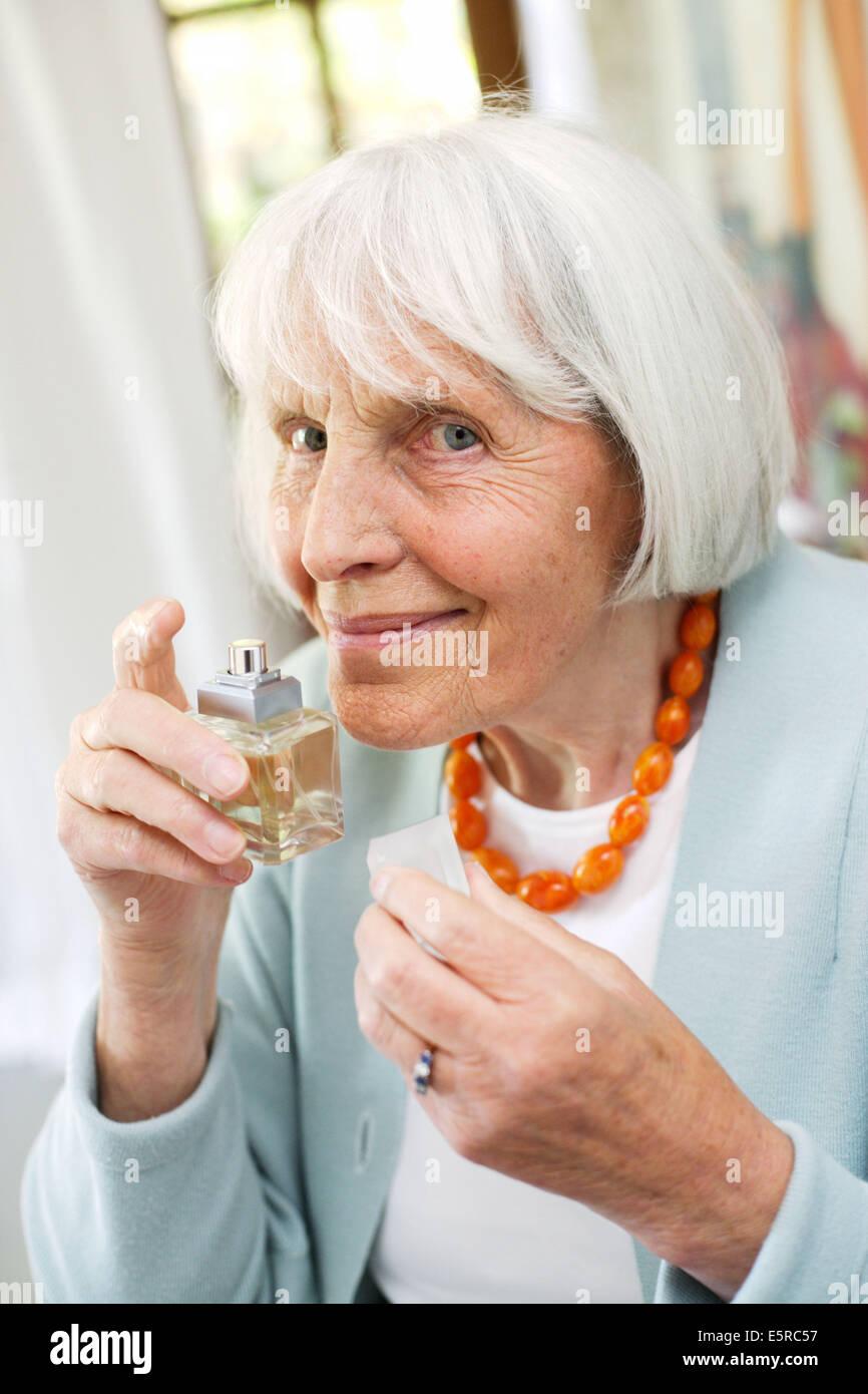 50 jahre alter mann aus jüngeren frau