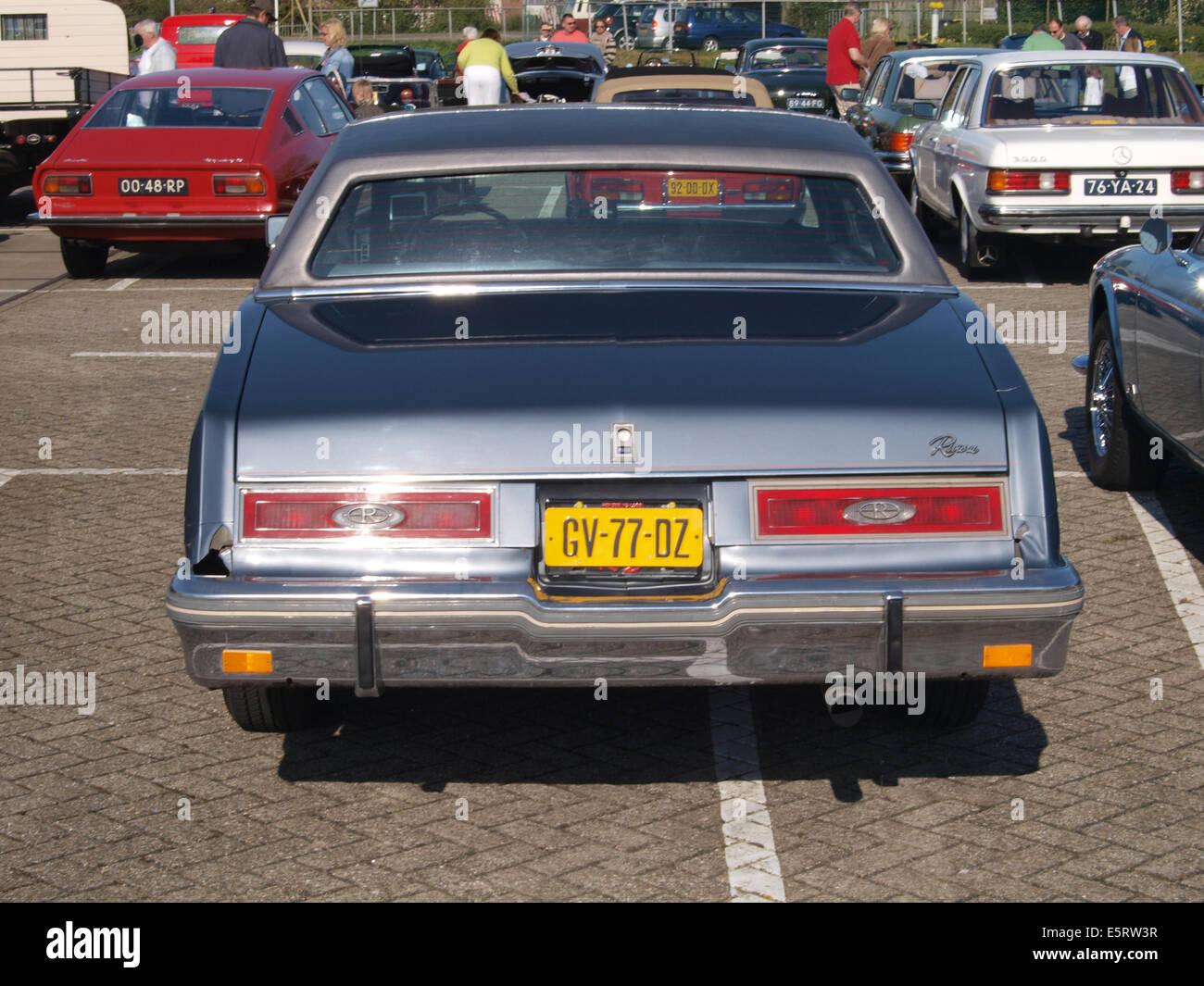 1981 Buick Riviera, niederländischer Lizenz Registrierung GV-77-DZ, pic1 Stockbild