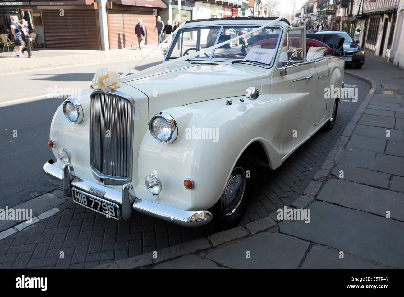 Alten Weissen Rolls Royce Hochzeit Auto Blumen Schon Stockfoto Bild