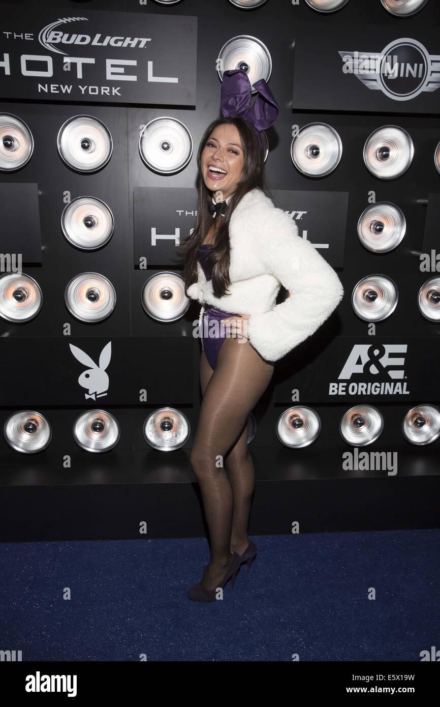 Playboy geht weiter es ist 60. Jahrestag mit der Playboy-Party in ...