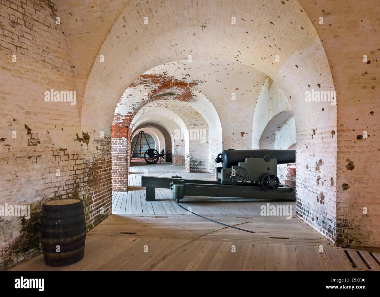 Kasematte Waffen im historischen Fort Pulaski National Monument, Cockspur Island, in der Nähe von Savannah, Stockbild