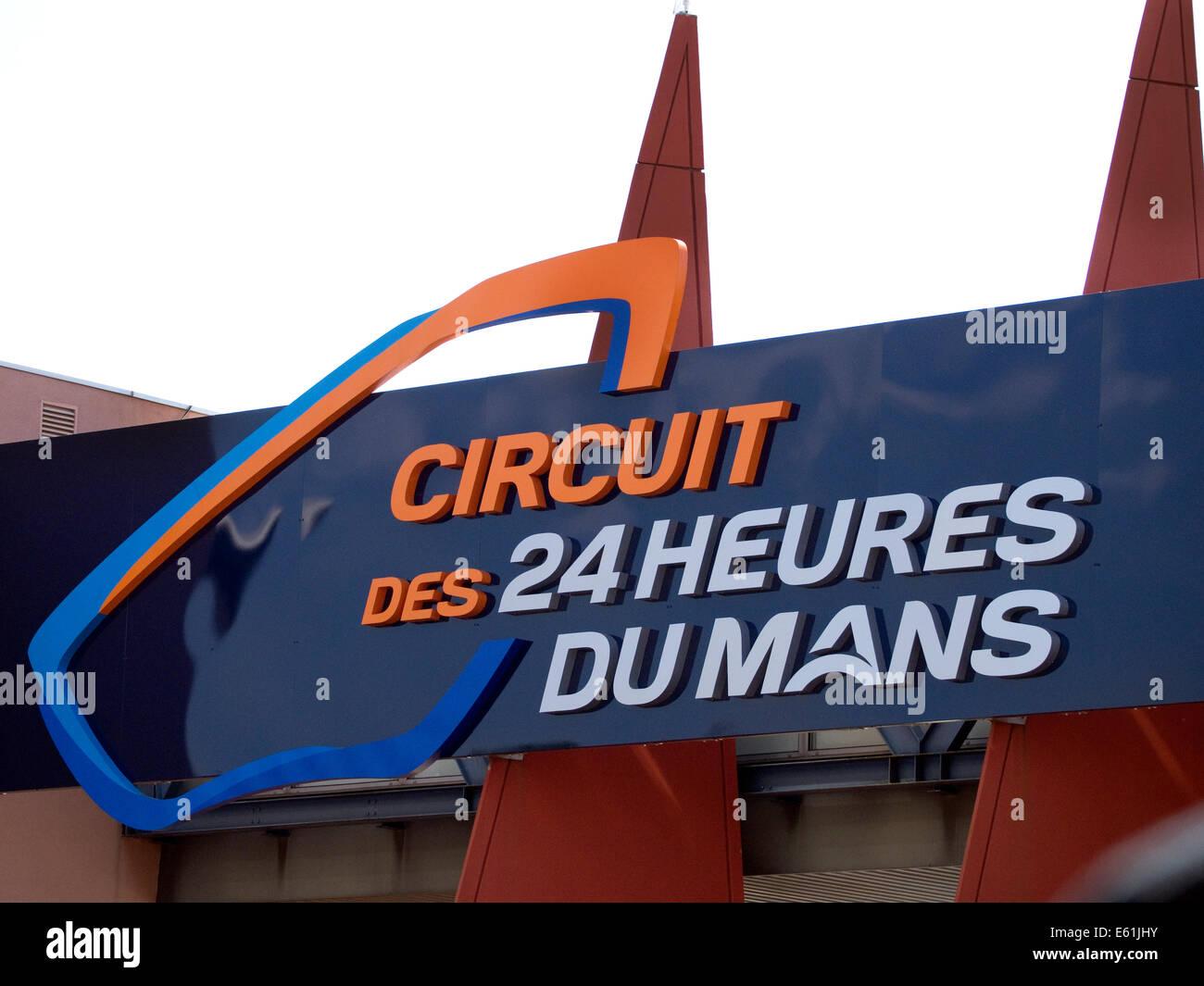 Rennstrecke von Le Mans 24 Stunden Rennen Eintrag Tor Zeichen Stockbild