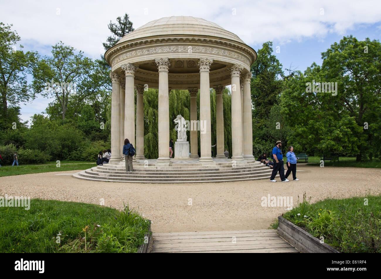 Tempel der Liebe in die Gärten von Versailles in Frankreich Stockbild