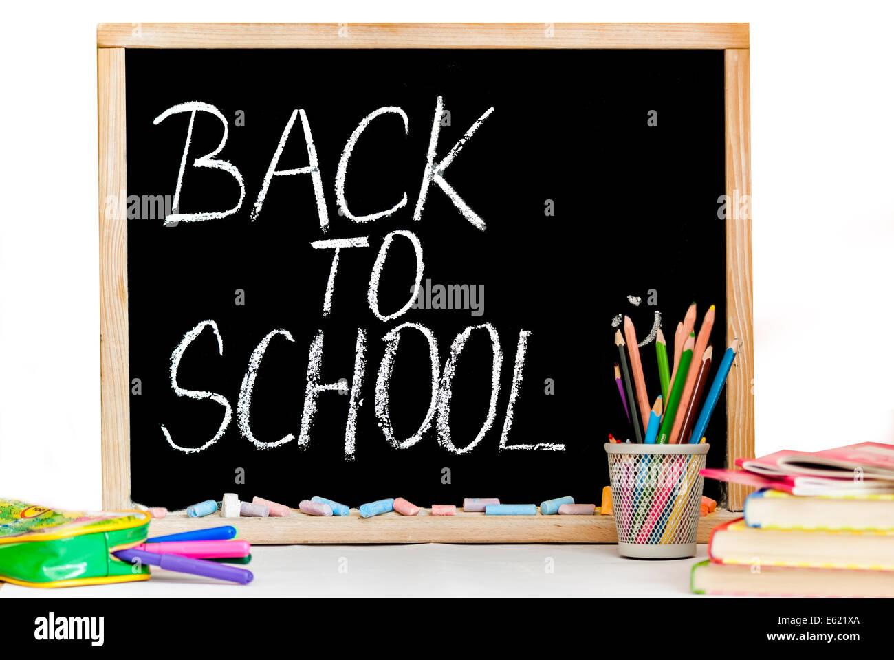 zur ck zur schule auf der schwarzen tafel und kreide farbe stockfoto bild 72574834 alamy. Black Bedroom Furniture Sets. Home Design Ideas