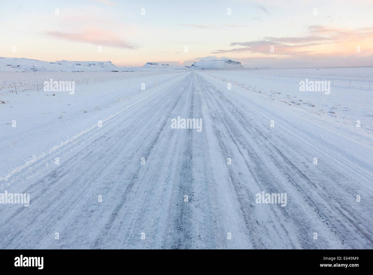 Winterdienst mit Schnee, Südisland Stockbild