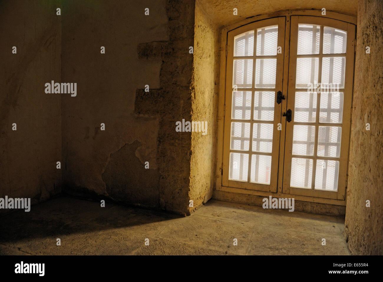 Fußboden Im Haus ~ Alten steinernen fußboden zudecke fenster in ein haus für die