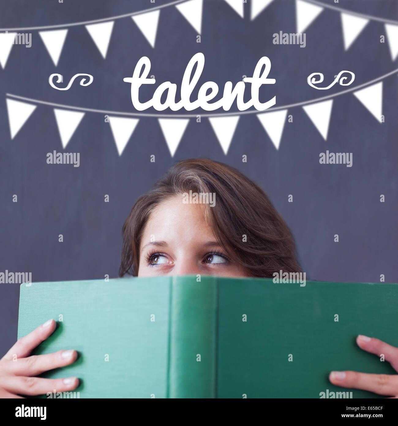 Talent gegen Schüler Buch hält Stockbild