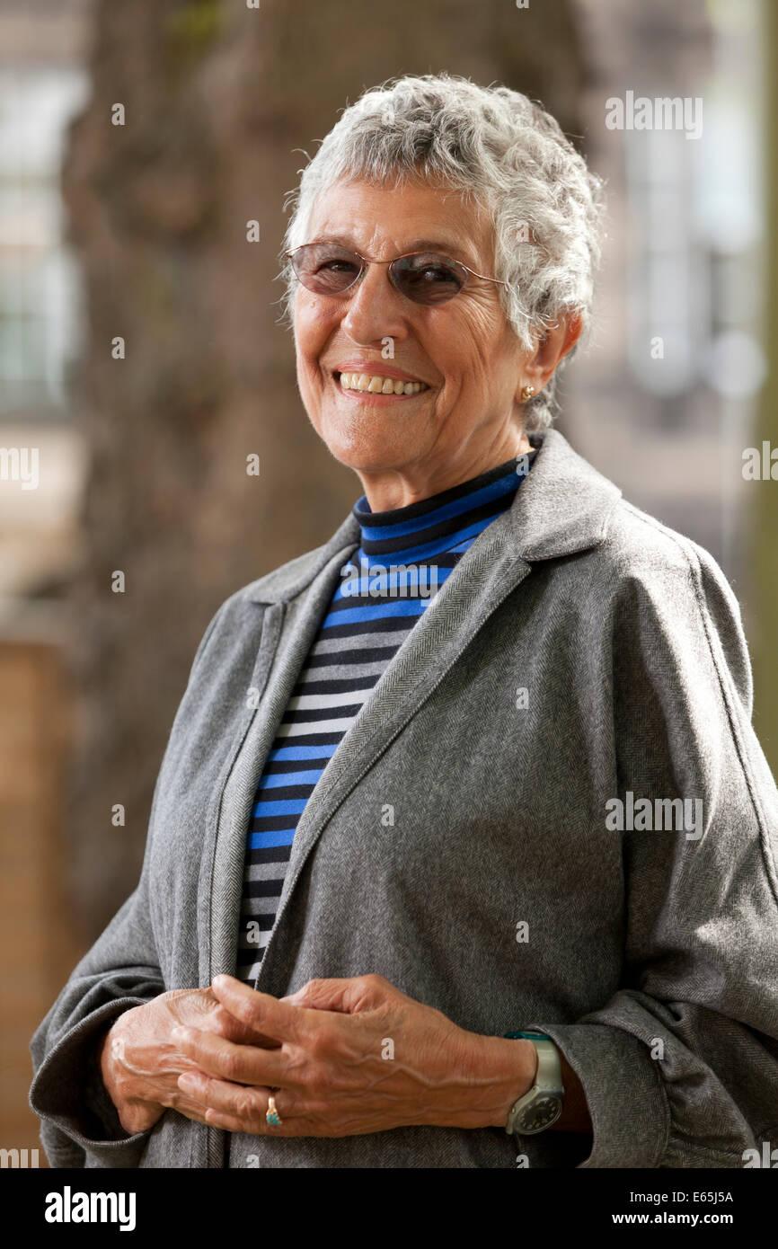 Edinburgh, Schottland. 14. August 2014. Irma Kurtz, Schriftsteller und Agonie Tante für Cosmopolitan, auf dem Stockbild