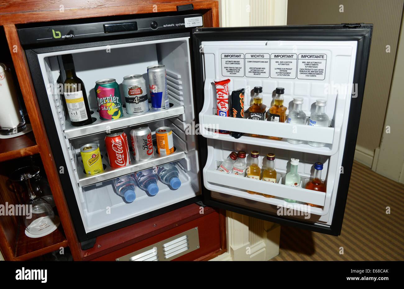 Mini-Bar, Minibar, Mini-Hotelbar Stockfoto, Bild: 72714731 - Alamy
