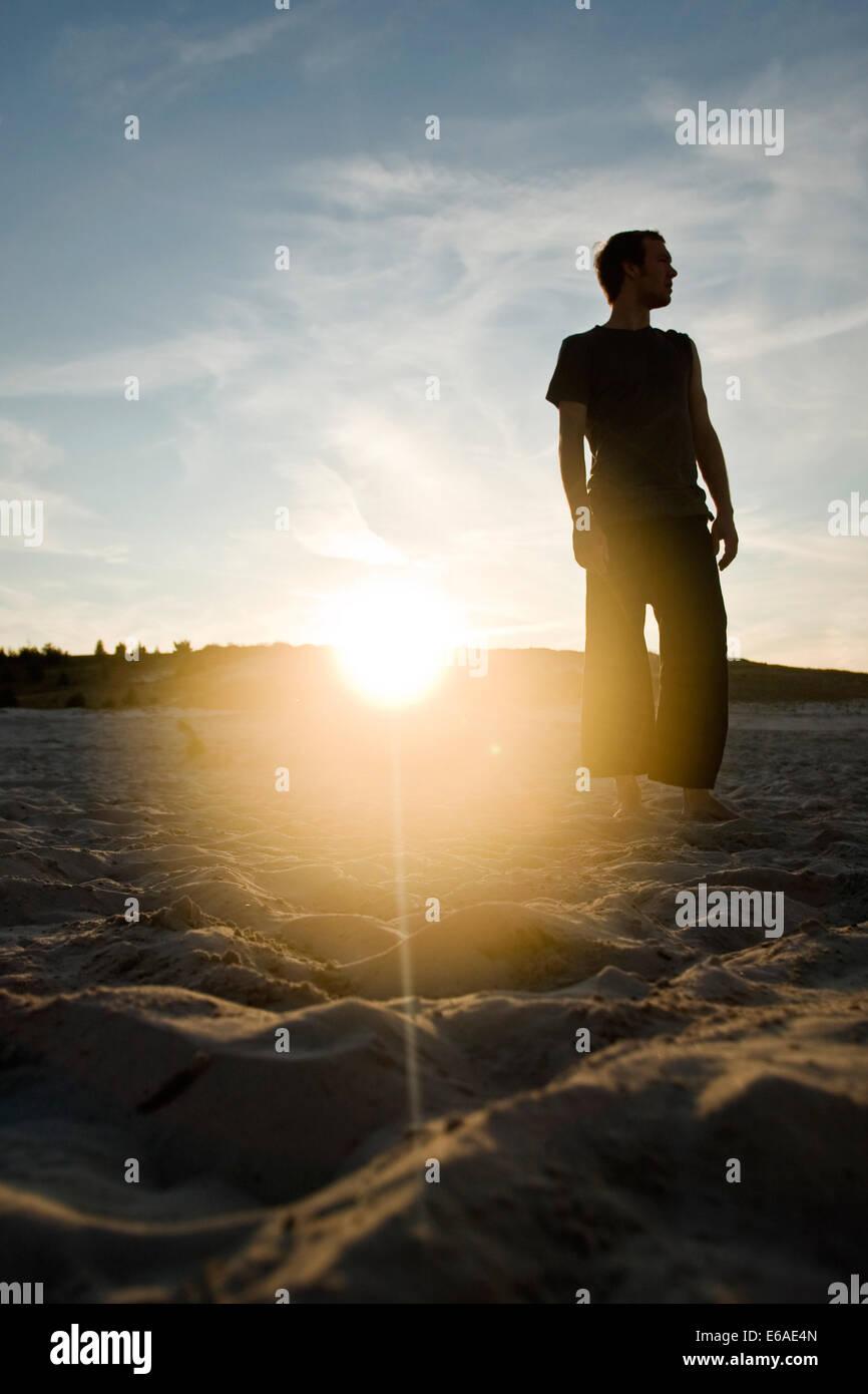 junger Mann, Mann, Twilight, Strand Stockbild