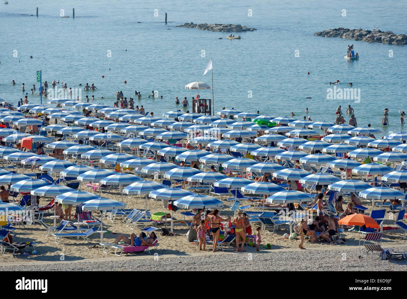 Italien Marken Provinz Von Pesaro Und Urbino Bagni In