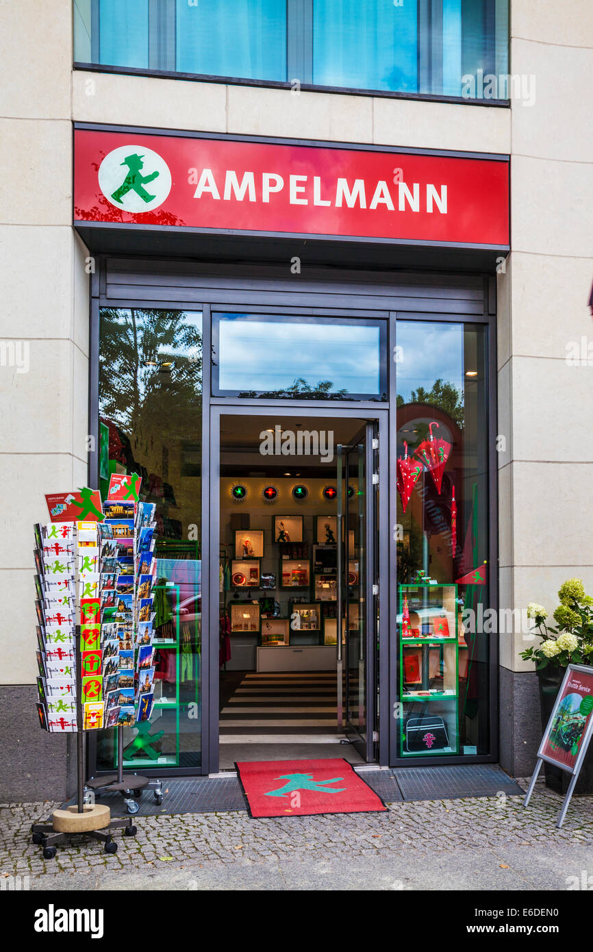 Ein Ampelmann-Souvenir-Shop in Berlin. Stockfoto
