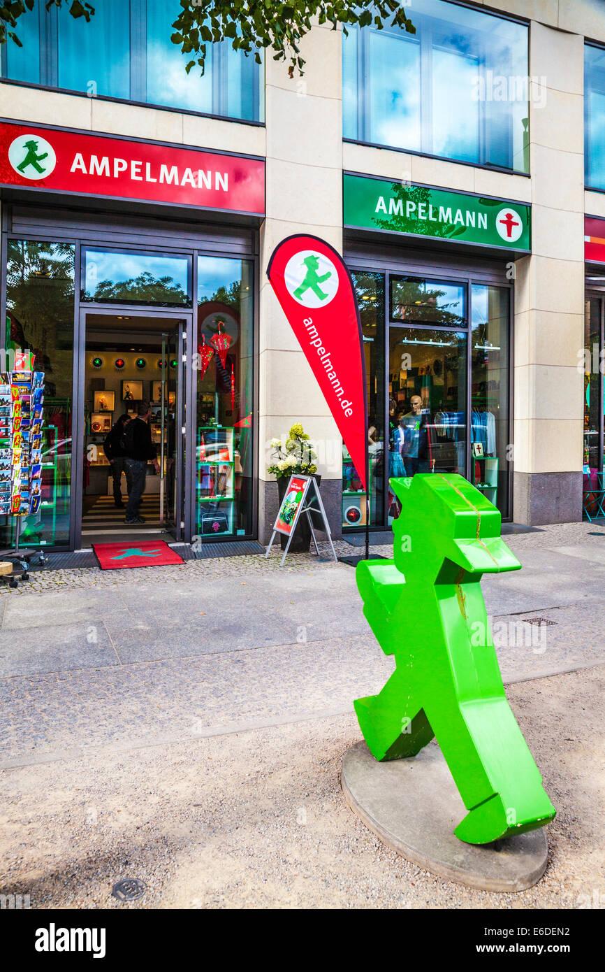 Ein Ampelmann-Souvenir-Shop in Berlin. Stockfoto
