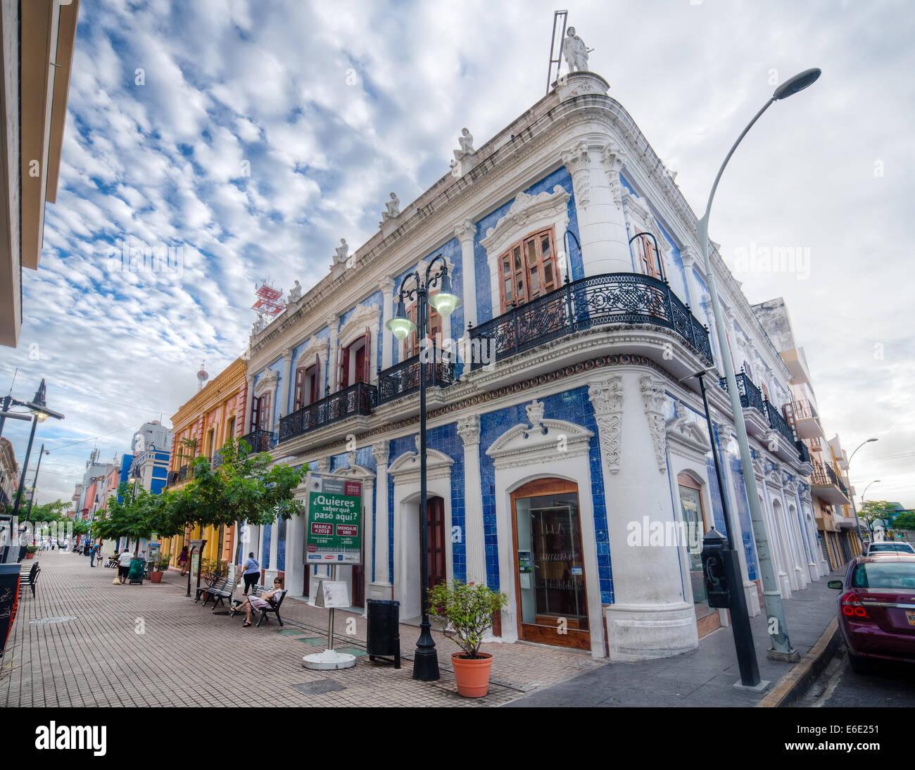 haus der fliesen in der zona luz nachbarschaft von villahermosa tabasco mexiko stockfoto bild. Black Bedroom Furniture Sets. Home Design Ideas
