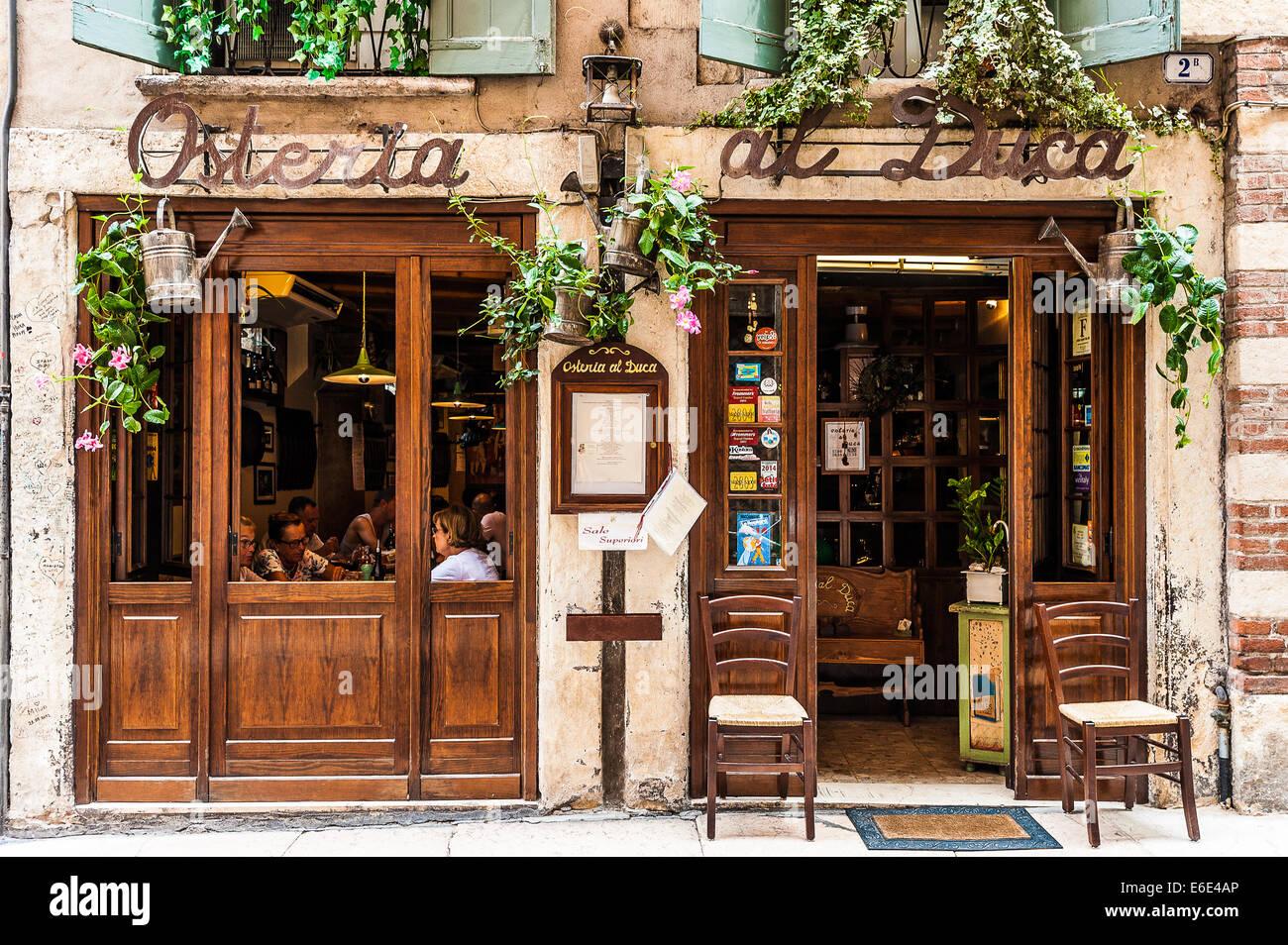 Italien Veneto Verona Restaurant in der Nähe von Haus der Cagnolo Nagarola - Haus von Romeo Stockbild