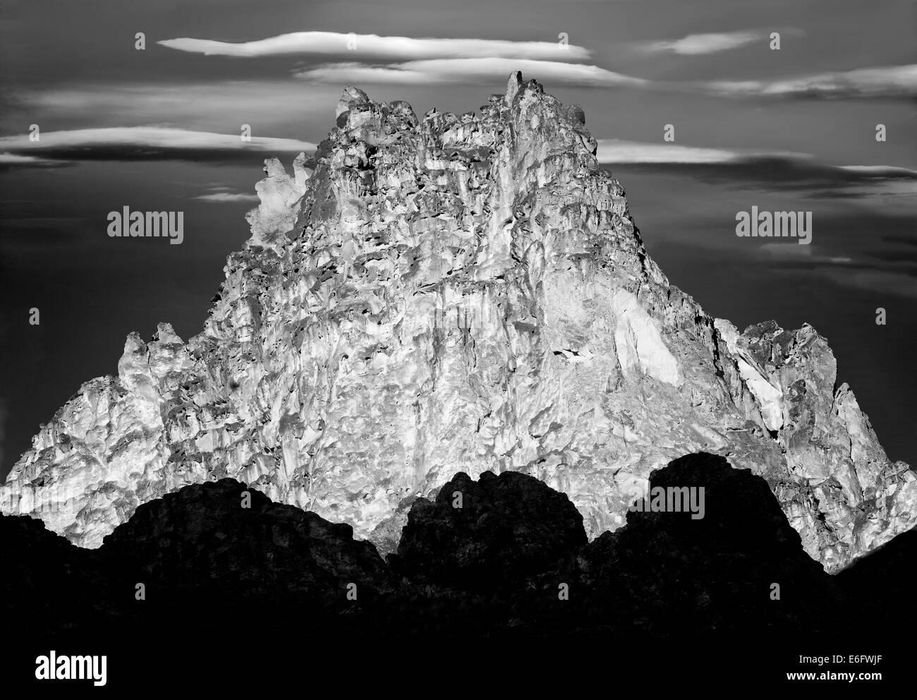 Silhouette Felsformationen. Leslie Gultch, Malheur Grafschaft, Oregon Stockbild