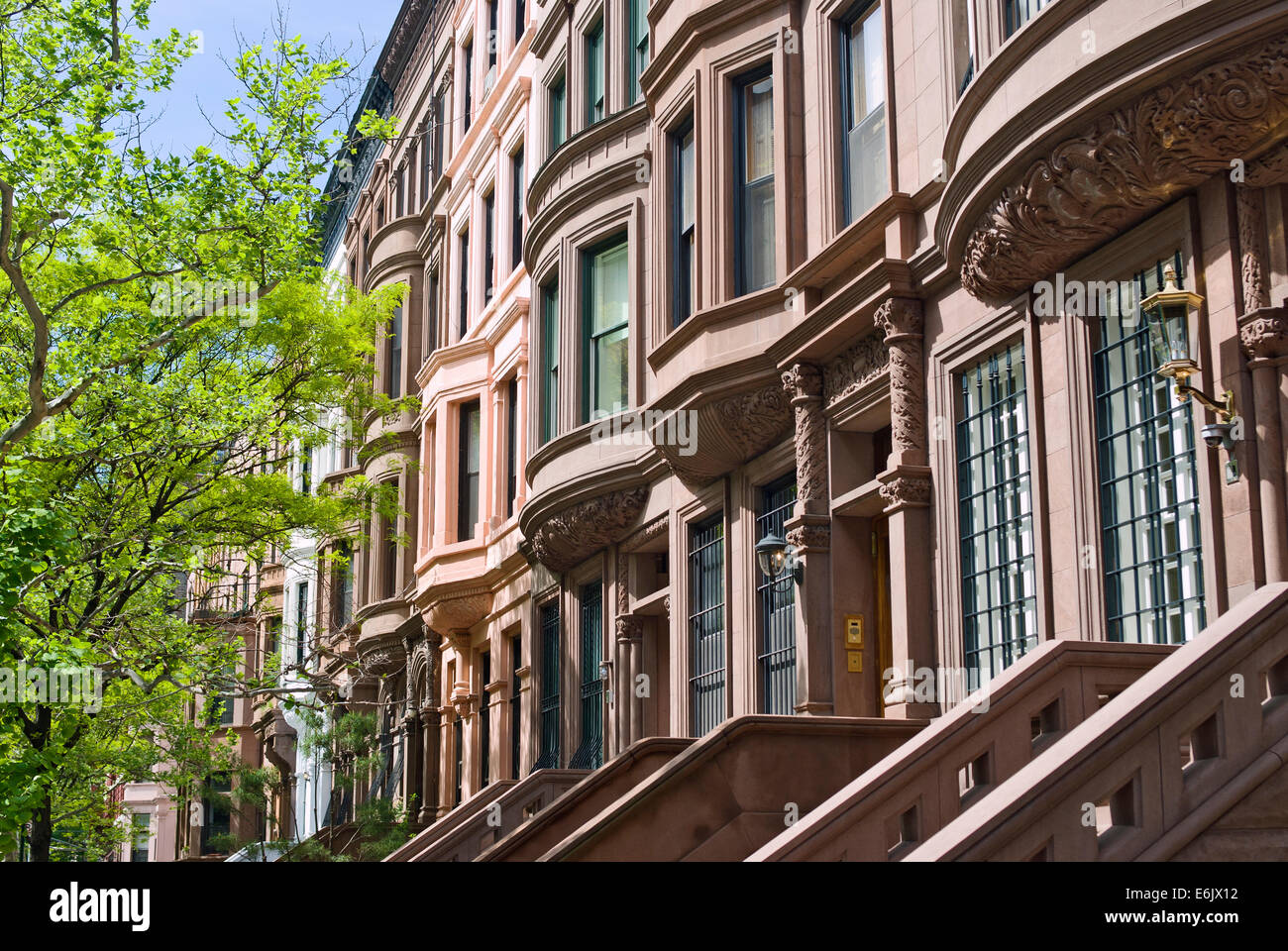 Brownstone apartment h user geb ude wohnungen auf der upper west side manhattan new york - New york wohnungen ...