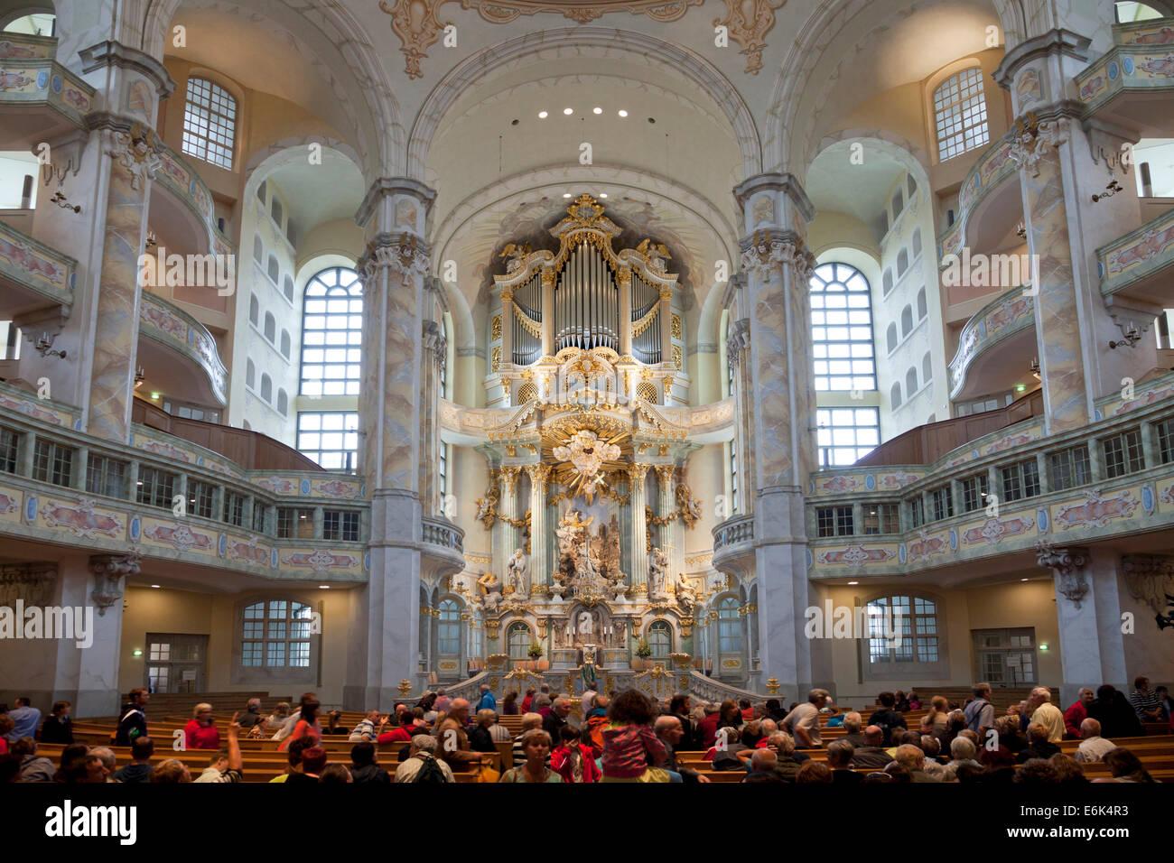 Interieur und Altar der Frauenkirche, Dresden, Sachsen, Deutschland Stockbild