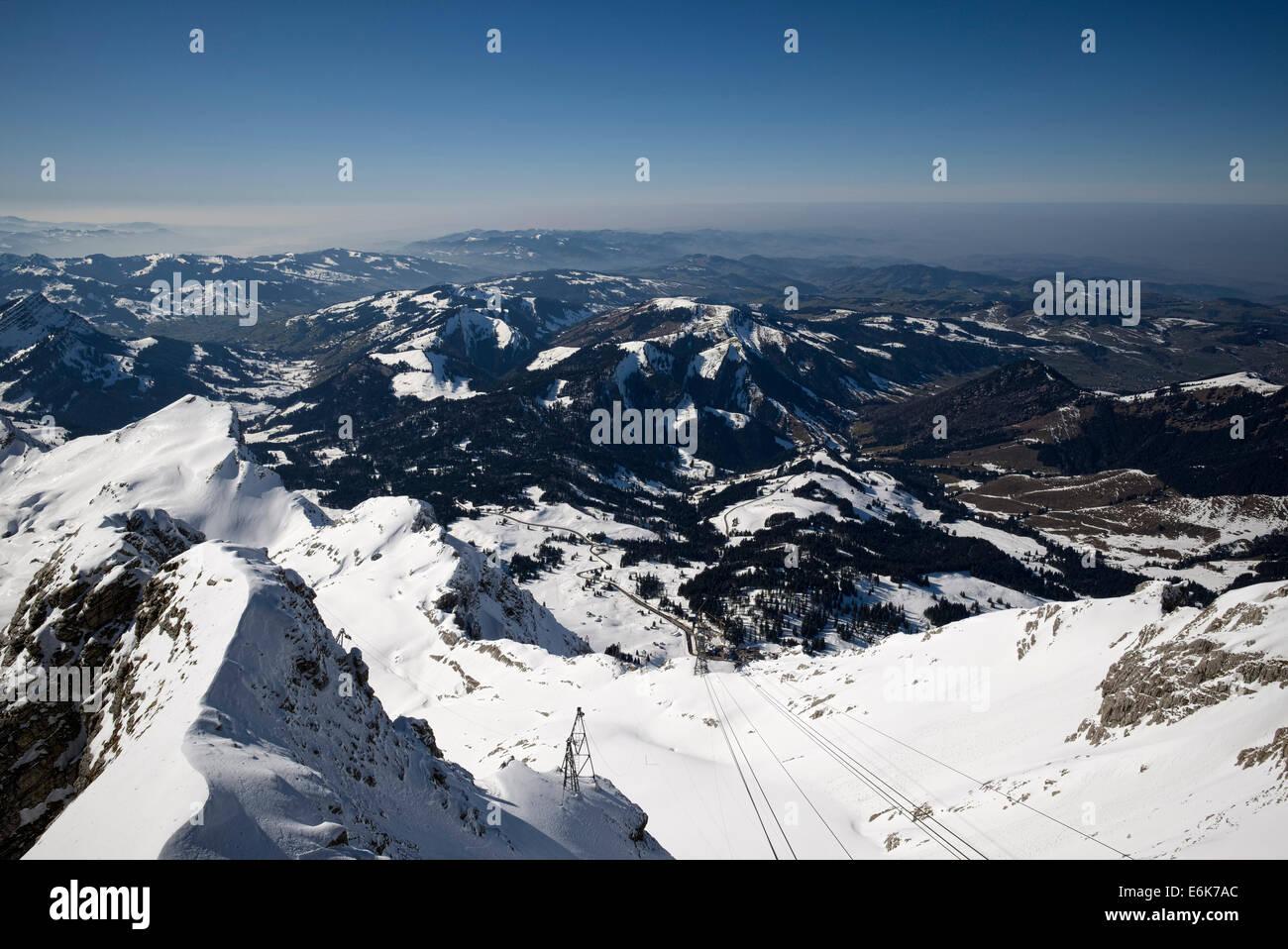 Blick vom Mt Säntis auf der Schwägalp Talstation, Kanton Appenzell-Ausserrhoden, Schweiz Stockbild