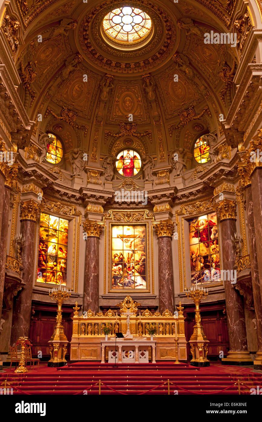 Innenansicht Mit Altar Der Berliner Dom Oder Dom In Berlin