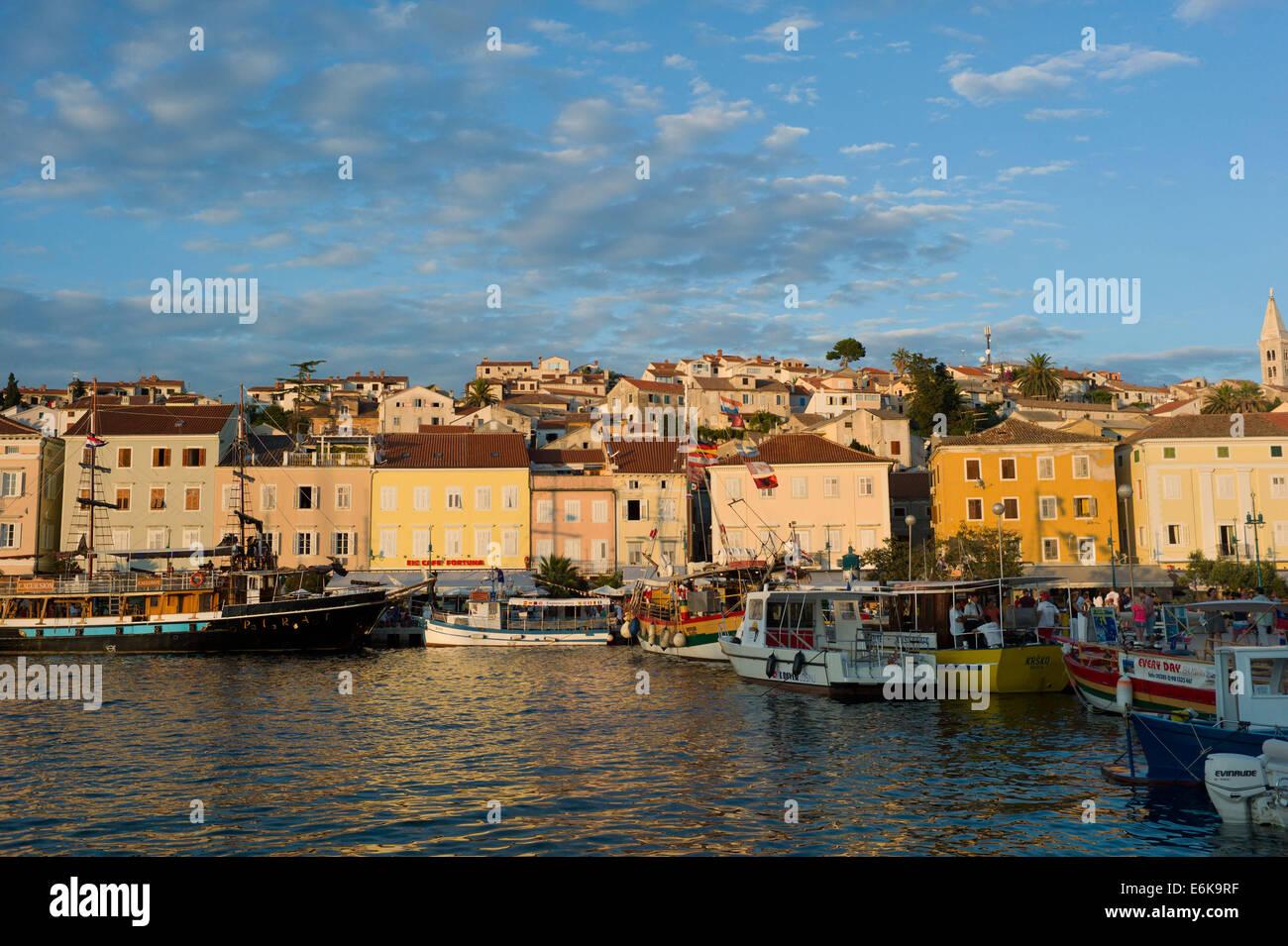 Boote in den Hafen von Mali Losinj, Insel Losinj, Kroatien Stockbild