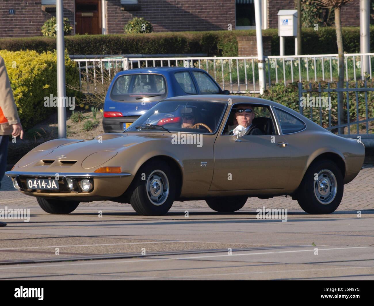 Opel GT (1970), niederländischer Lizenz Registrierung 04-14-JA, pic1 Stockbild