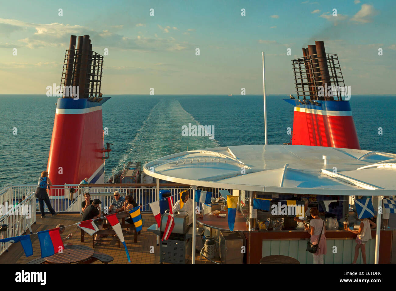 ferry benches stockfotos ferry benches bilder alamy. Black Bedroom Furniture Sets. Home Design Ideas