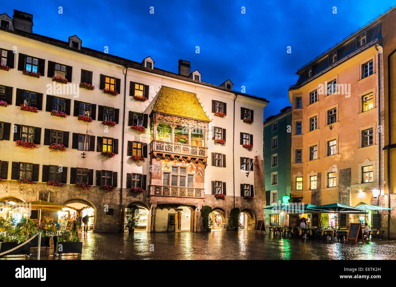 Innsbruck deutschland nachtlandschaft mit for Architektur innsbruck
