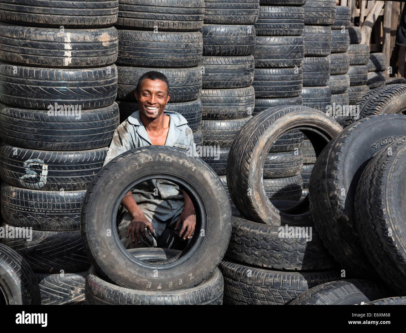 Reifen-Händler, Antananarivo, Hauptstadt von Madagaskar, Afrika Stockbild