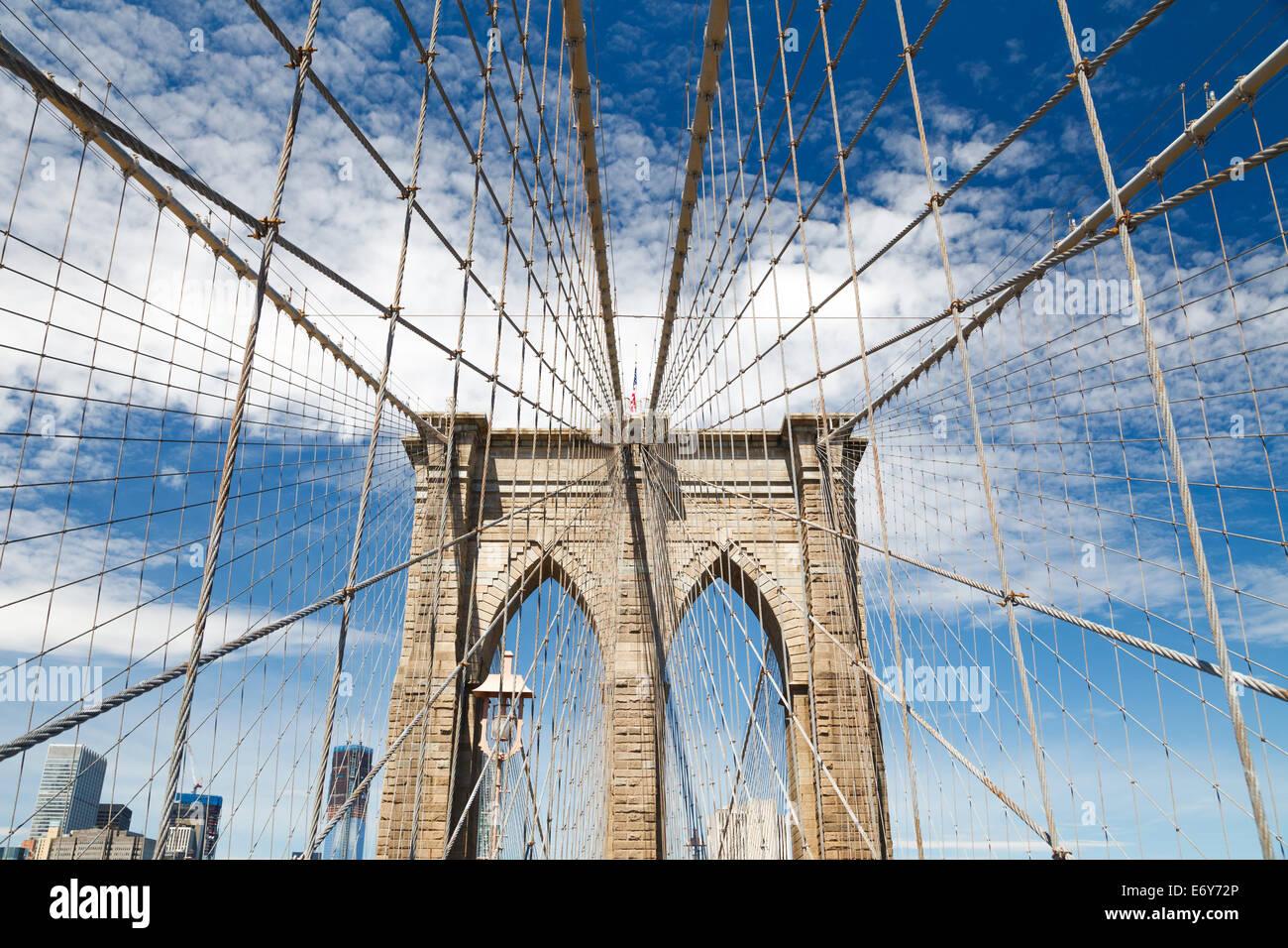 Nach oben Bild der Brooklyn Bridge Stockbild
