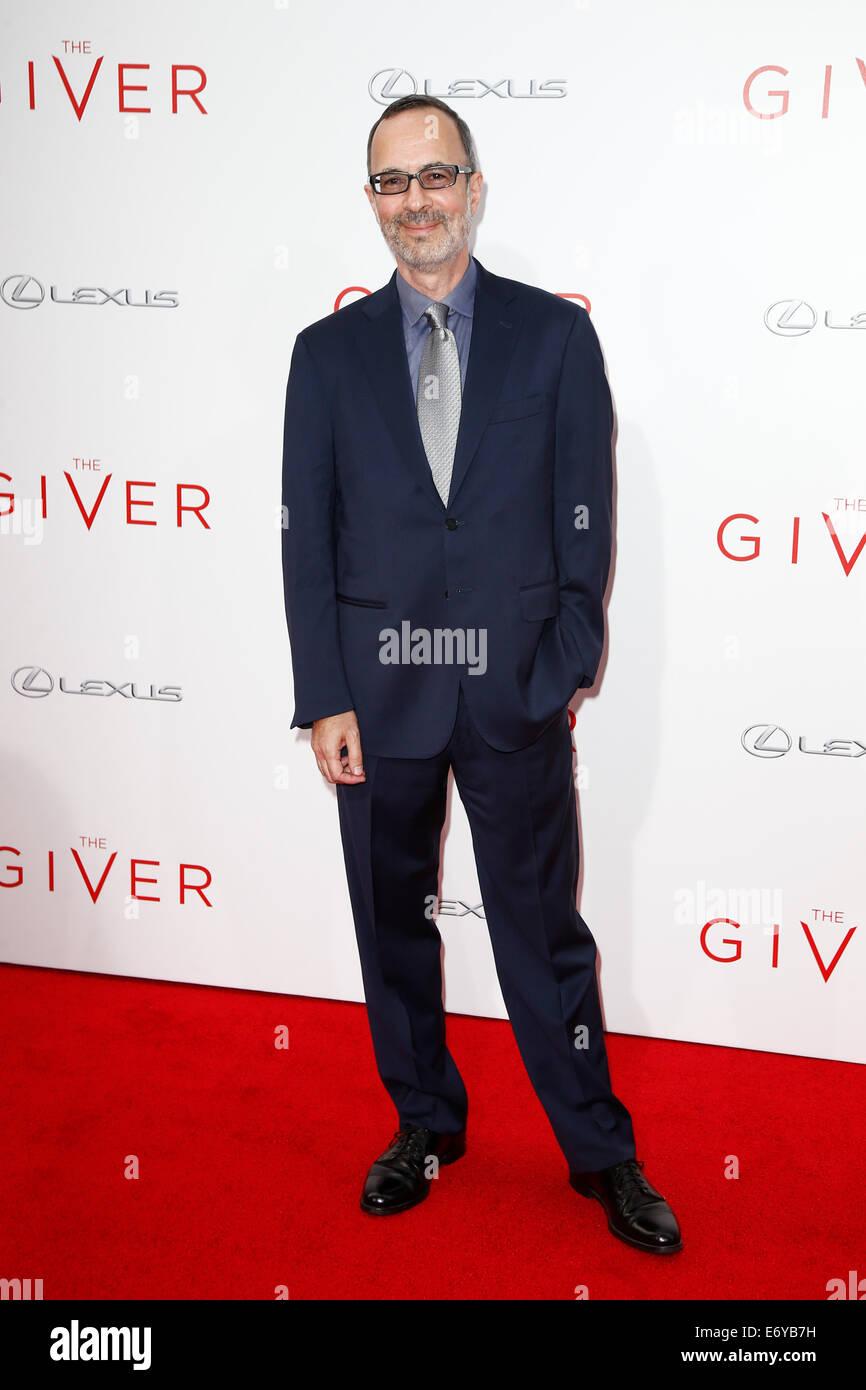"""Autor Robert B. Weide besucht die Premiere von """"The Giver"""" im Ziegfeld Theatre am 11. August 2014 in New Stockbild"""