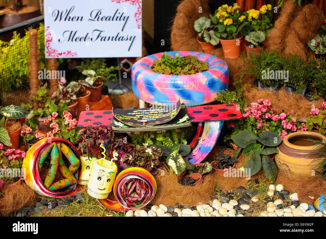 Kinder Basteln Dekorieren Einen Wunderschonen Garten Arrangements