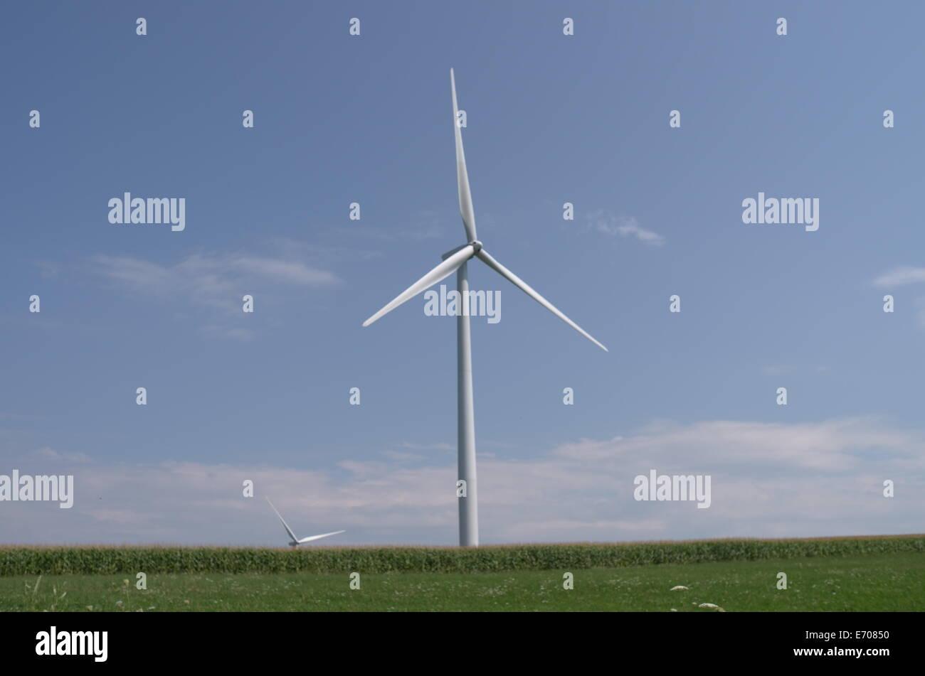 Riesige Windkraftanlage befindet sich in der Nähe von Warschau, New York Stockbild