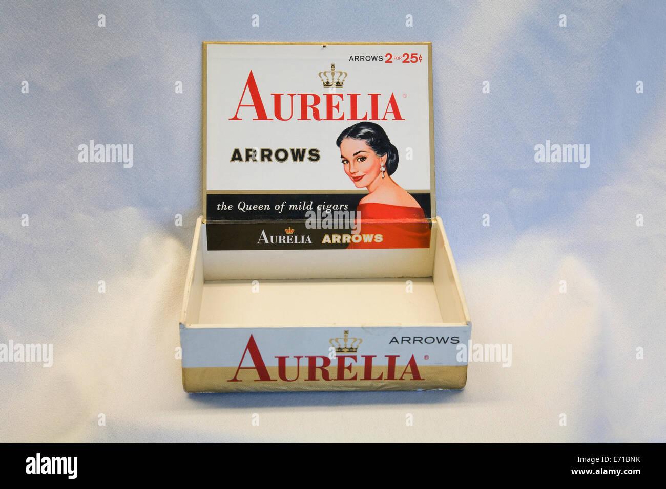 Eine Vintage Box von Aurelia Arrow Zigarren, stammt aus dem frühen 20. Jahrhundert Stockbild