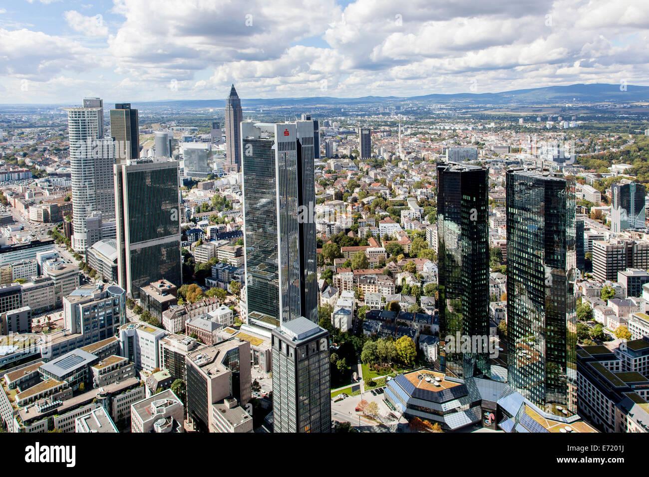 Wolkenkratzer mit trianon deutsche bank sparkasse und for Designburo frankfurt