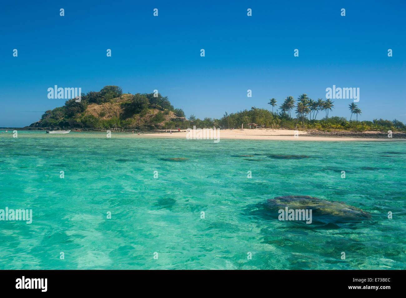 Das türkisfarbene Wasser der blauen Lagune, Yasawas, Fiji, Südsee, Pazifik Stockbild