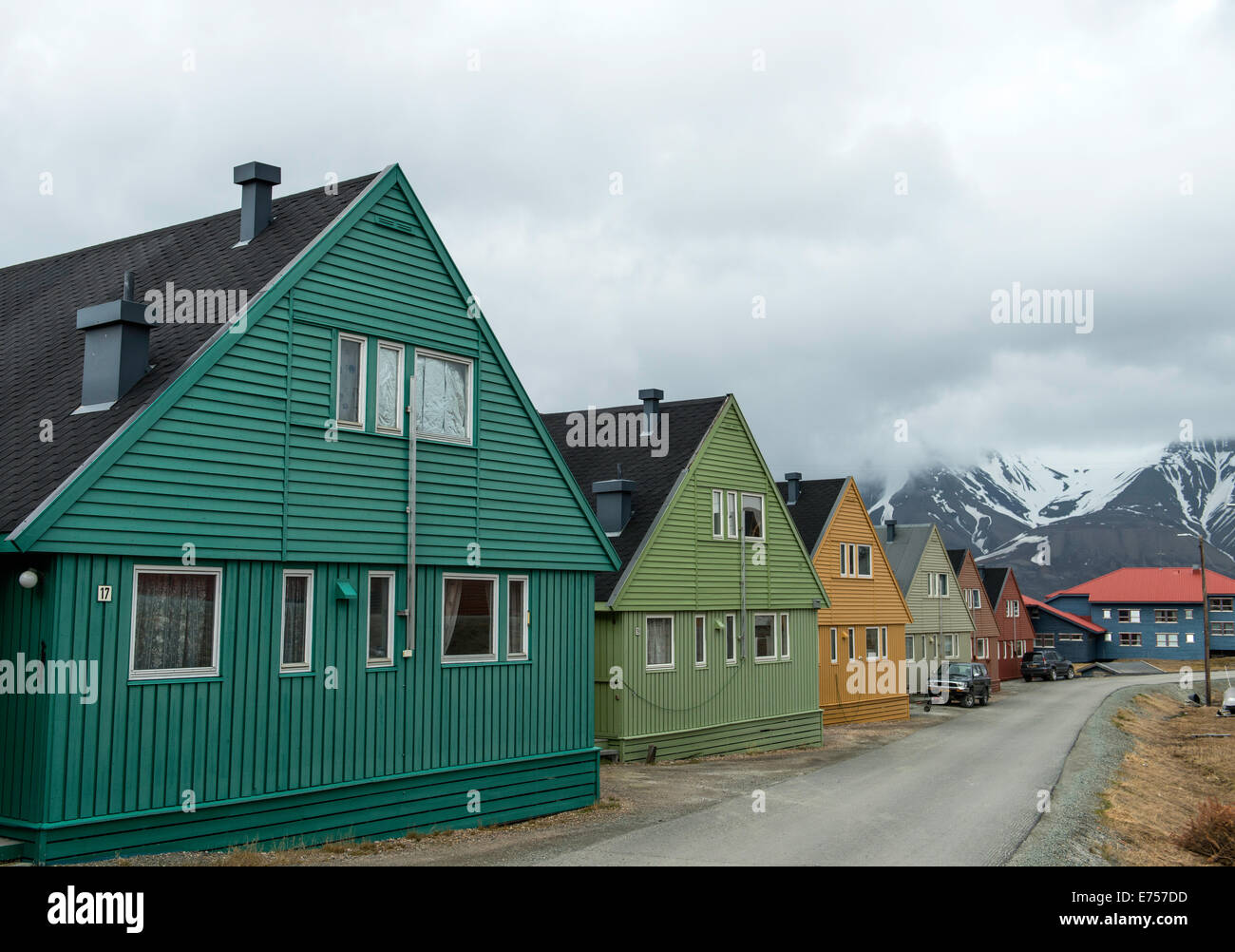 longyearbyen street stockfotos longyearbyen street bilder alamy. Black Bedroom Furniture Sets. Home Design Ideas