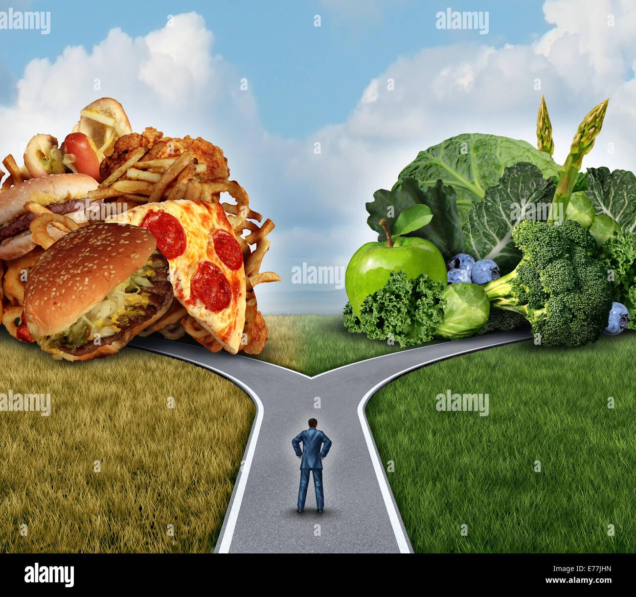 Ernährung Entscheidung Konzept und Ernährung Entscheidungen Dilemma zwischen gesunden gutes frisches Obst Stockbild