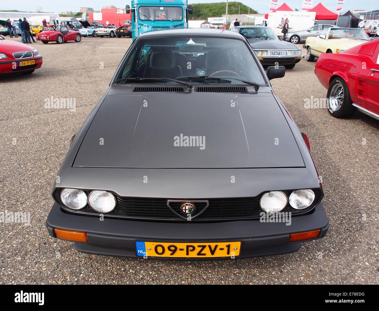 1984 ALFA ROMEO GTV2.0, Lizenz 09-PZV-1, pic2 Stockbild