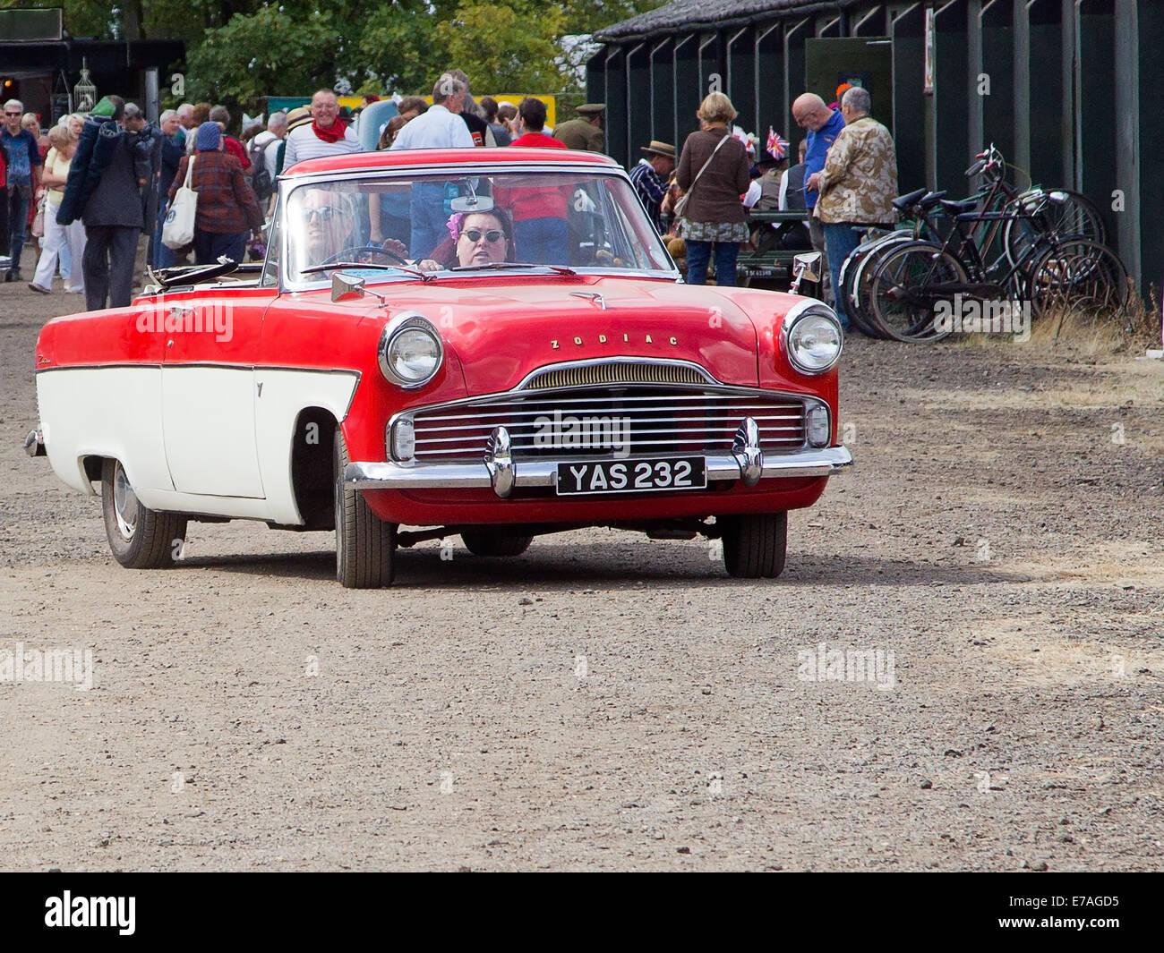 1950er Jahre britische Ford Zodiac 2-türiges Cabriolet Stockbild