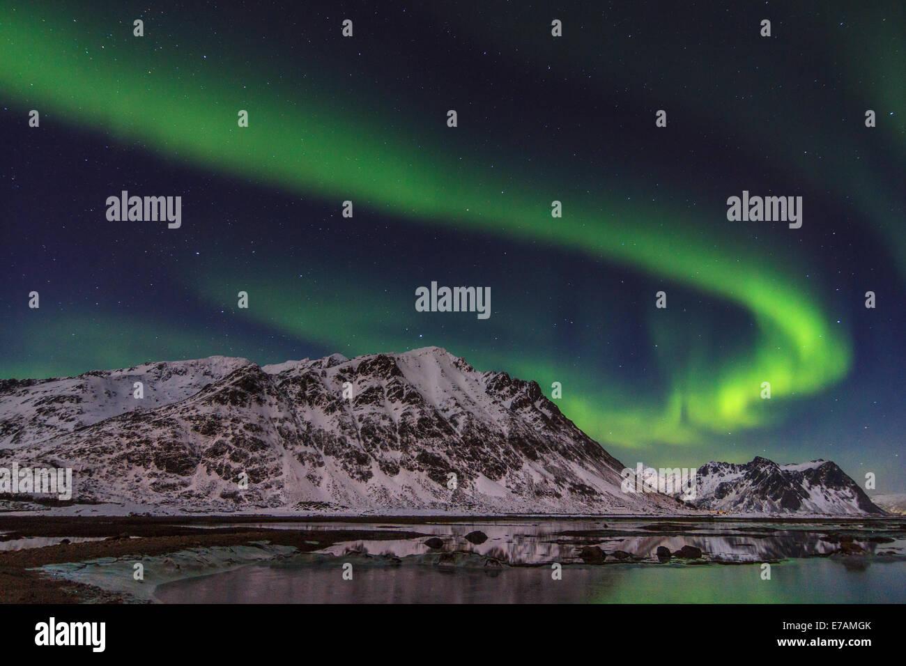 Northern Lights auf den norwegischen Fjorden Stockbild