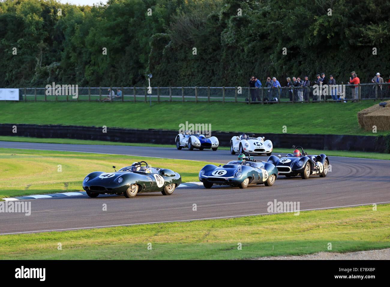 Fotos vom ersten Tag an The Goodwood Revival - eine drei-Tages-Festival statt bei Goodwood Circuit seit 1998 für Stockbild