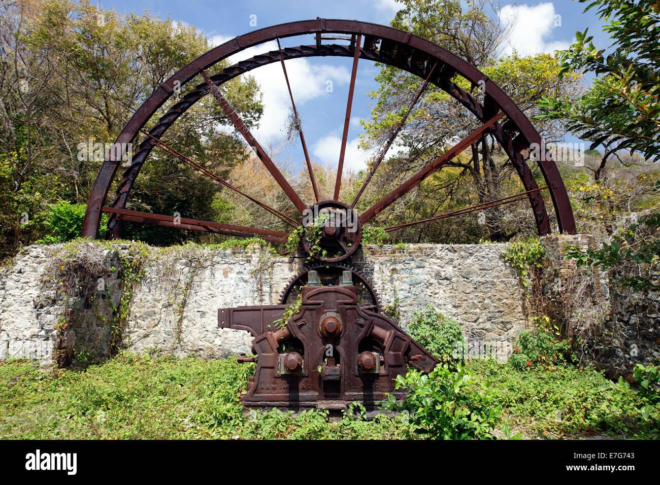 Alte Mühle Zuckerrohr, Mühlrad, verrostet, Trinidad und Tobago Stockbild