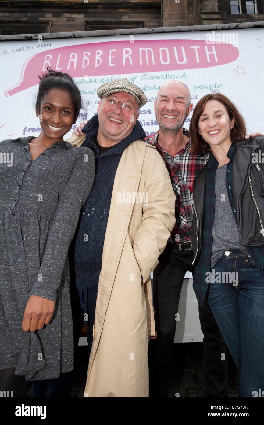 Edinburgh, Schottland. 16. Sep, 2014. Schauspielern, Alex Norton von Taggart (mit Mütze), Tam Dean brennen Stockbild