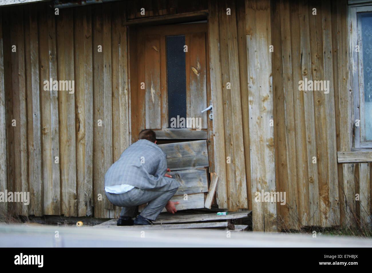 A Broken Down Door Stockfotos & A Broken Down Door Bilder - Alamy