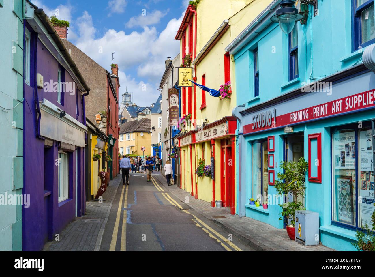 Geschäfte und Bars auf Market Lane im Zentrum Stadt, Kinsale, County ...